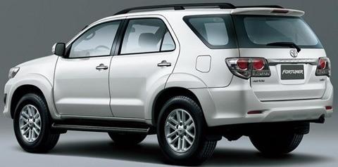 Toyota-Hilux-sw4-chico2