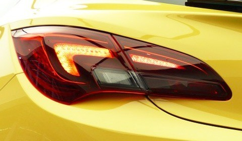 Opel Astra GTC 2012-02