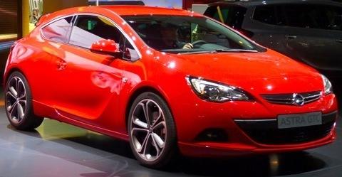 Opel Astra GTC 2012-04