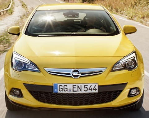 Opel Astra GTC 2012-06