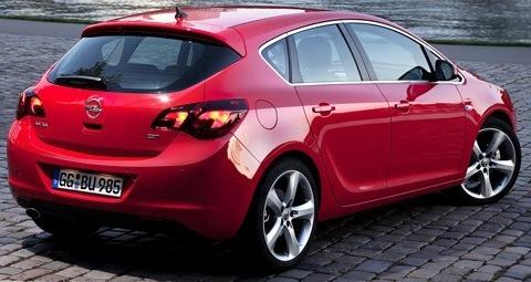 Opel-Astra_2012-01