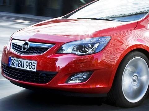 Opel-Astra_2012-06