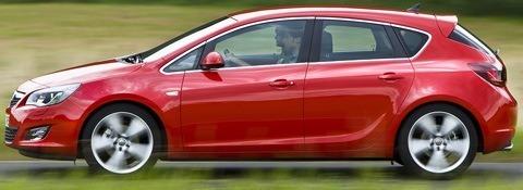 Opel-Astra_2012-10