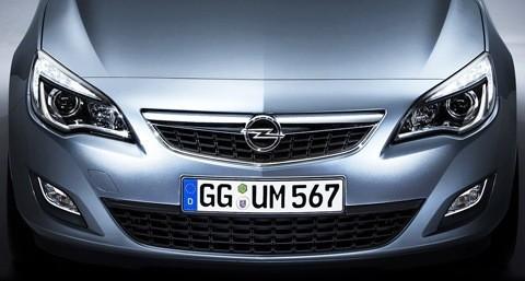 Opel-Astra_2012-12