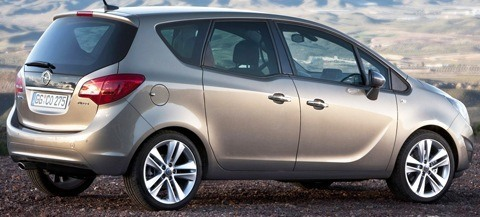 Opel-Meriva_2011_chico3