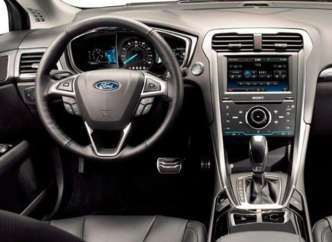 Ford Fusion 2013-chico3