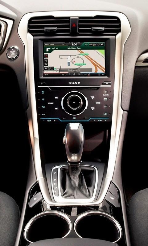 Ford Fusion Hybrid 2013-chico1