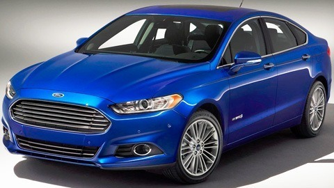 Ford Fusion Hybrid 2013-chico3