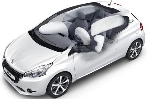 Peugeot-208_2013_03