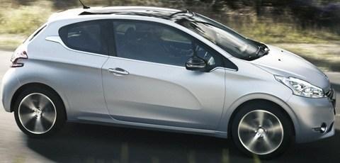 Peugeot-208_2013_08