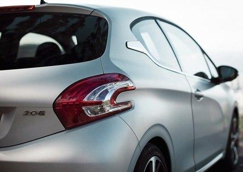Peugeot-208_2013_10