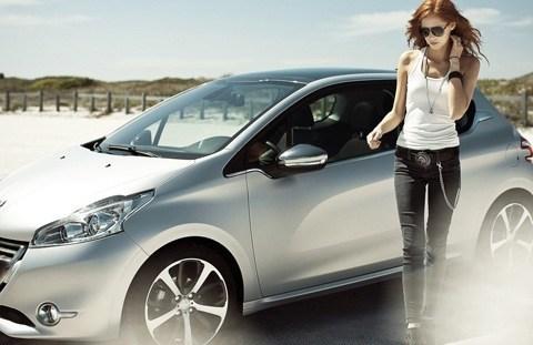 Peugeot-208_2013_11