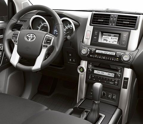 Toyota-Land_Cruiser_2011_chico8