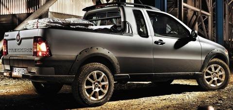 Fiat-Strada_2013_chico2