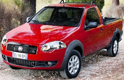 Fiat-Strada_2013_chico3
