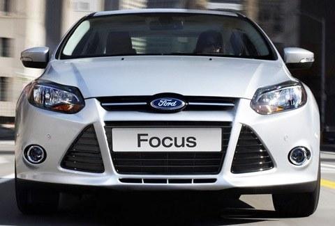 Ford-Focus_2012_06