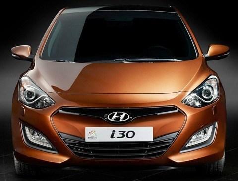 Hyundai-i30_2013_chico2