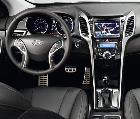 Hyundai-i30_2013_chico7