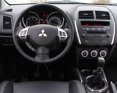 Mitsubishi-ASX_2012-08