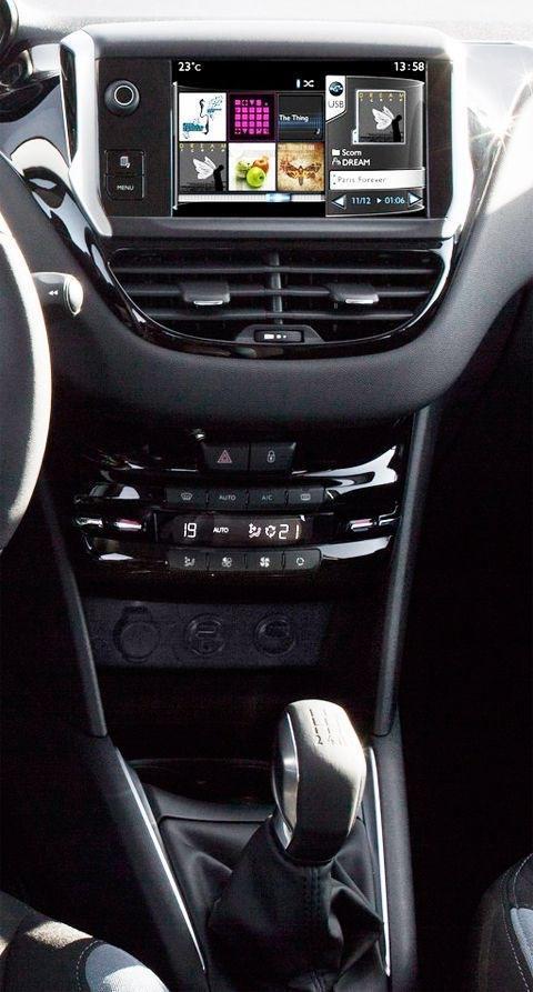 Peugeot 208 2013-chico1