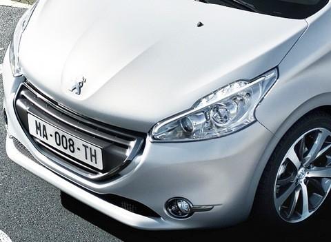 Peugeot 208 2013-chico11