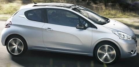 Peugeot 208 2013-chico2