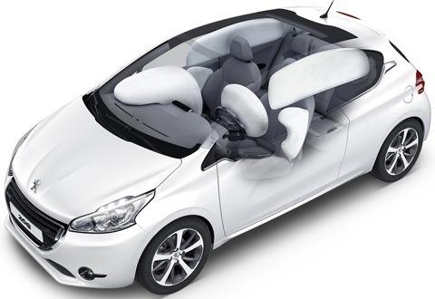 Peugeot 208 2013-chico7