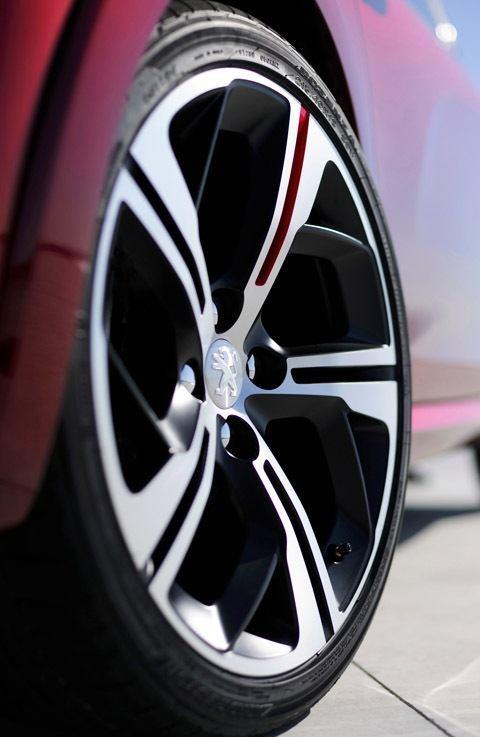Peugeot 208 GTi Concept-chico2