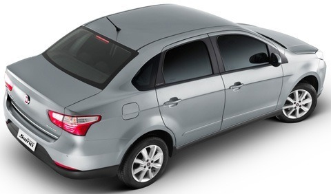 Fiat-Grand-Siena-2013-chico10