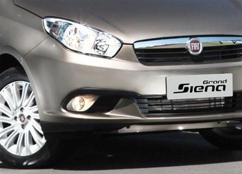 Fiat-Grand-Siena-2013-chico17