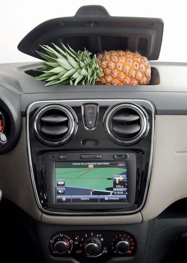Dacia-Lodgy_2013_chico01