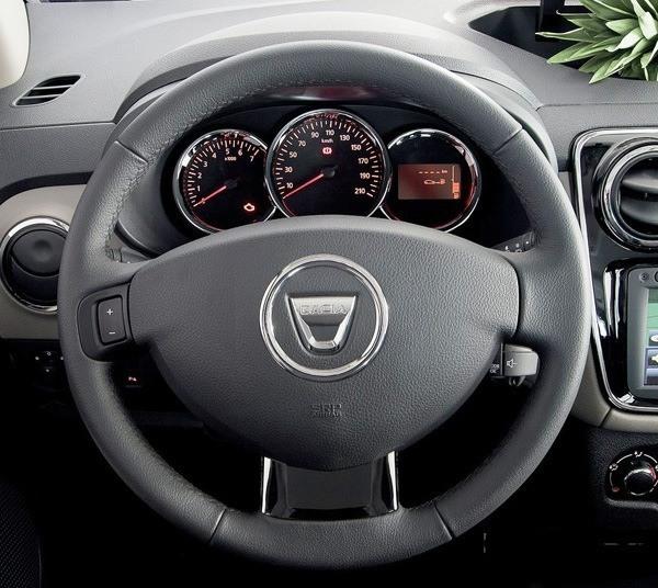 Dacia-Lodgy_2013_chico02