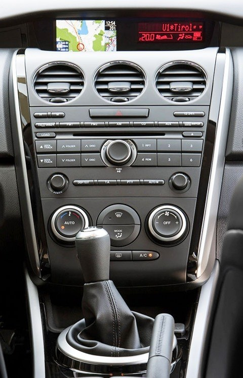 Mazda-CX-7_2012-chico03