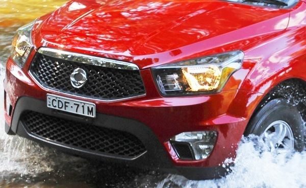 SsangYong-Actyon_Sports_2013_13
