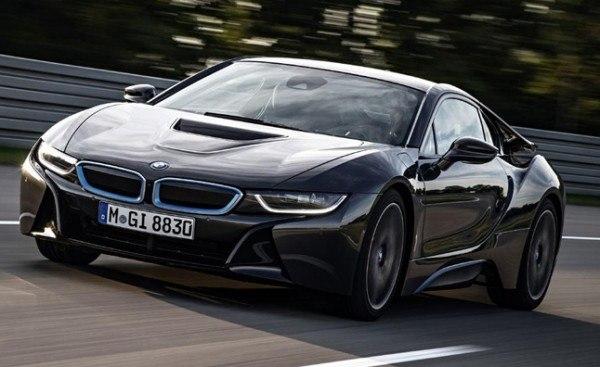 BMW-i8s-rodando
