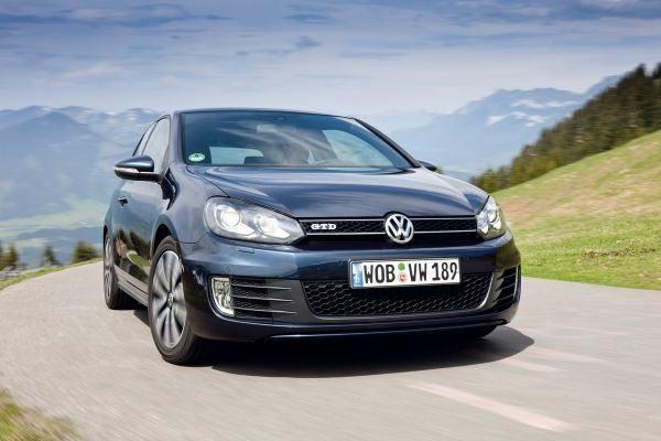 Volkswagen-golf-NEGRO