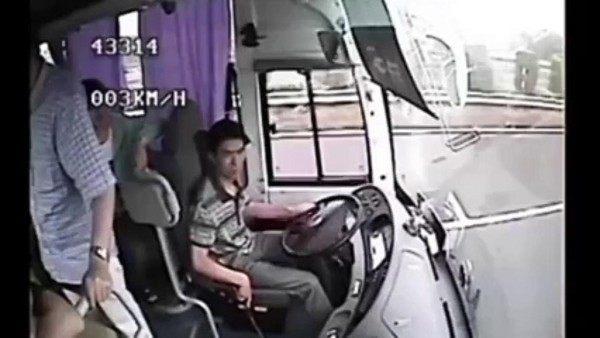 video-nos-ensena-la-importancia-del-cinturon-de-seguridad