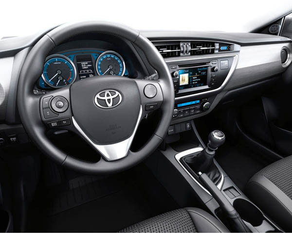 Interior Toyota Auris 2015