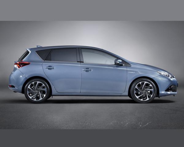 Precios Toyota Auris 2015
