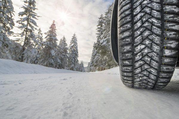 Cuando cambiar los neumaticos del coche invierno