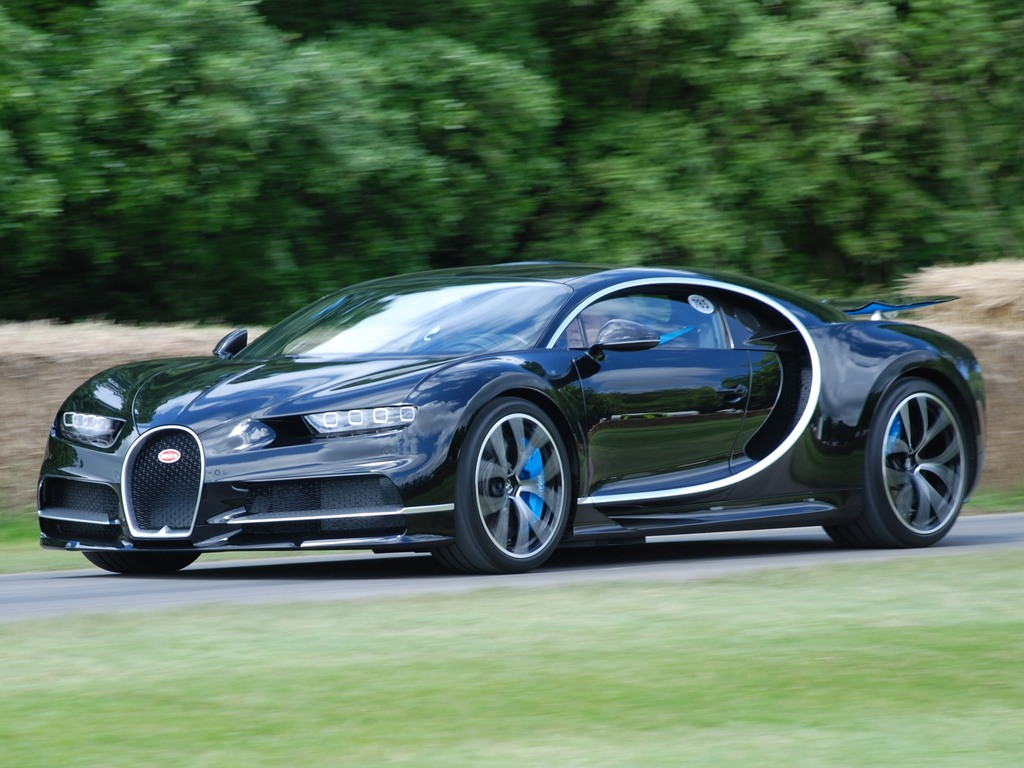 The Best New Cars By Bugatti Aston Martin And Ferrari In 2018: Bugatti Chiron: Precio, Ficha Técnica Y Vídeos