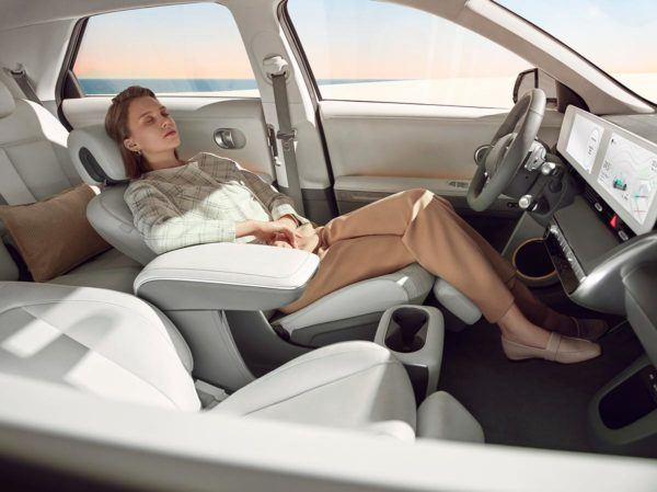 Hyundai IONIQ Eléctrico 2021: precio, ficha técnica y fotos espacio interior