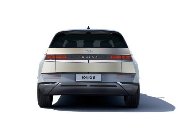 Hyundai IONIQ Eléctrico 2021: precio, ficha técnica y fotos trasera