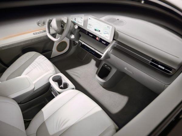 Hyundai IONIQ Eléctrico 2021: precio, ficha técnica y fotos carga