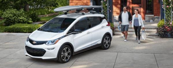 Chevrolet Bolt 2021: precio, ficha técnica y fotos cargador