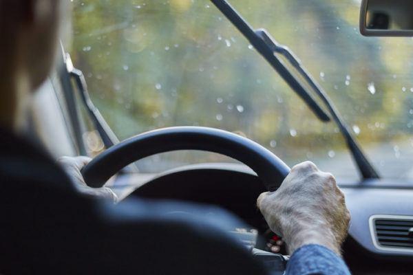 Traccion delantera o trasera que son parecidos diferencias lluvia