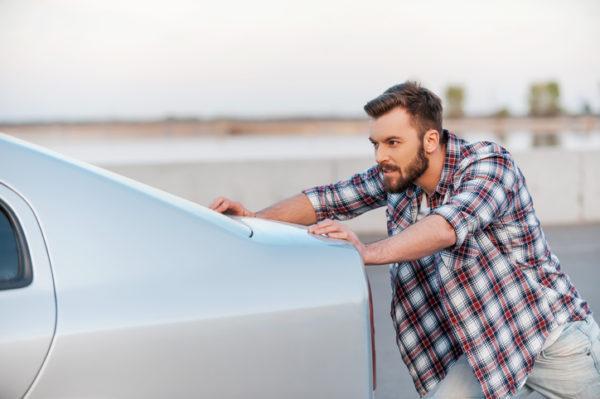 Los mejores trucos y consejos para arrancar un coche sin bateria