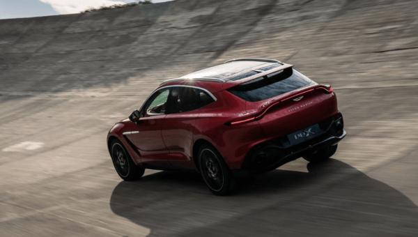 Aston Martin DBX 2021 exterior