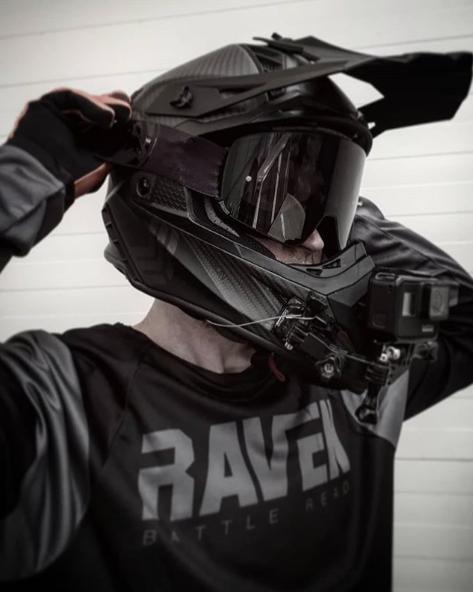 quads modelo casco
