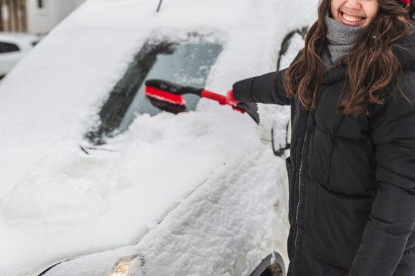 Como quitamos hielo nieve coche para no danarlo